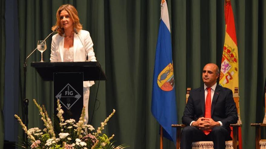 El alcalde de Zafra y presidente de la feria, y la pregonera
