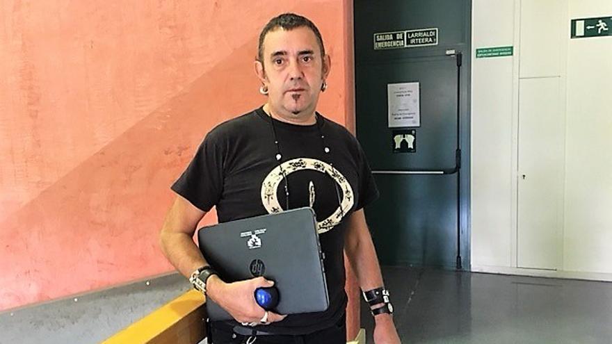César Manzanos, durante la entrevista.