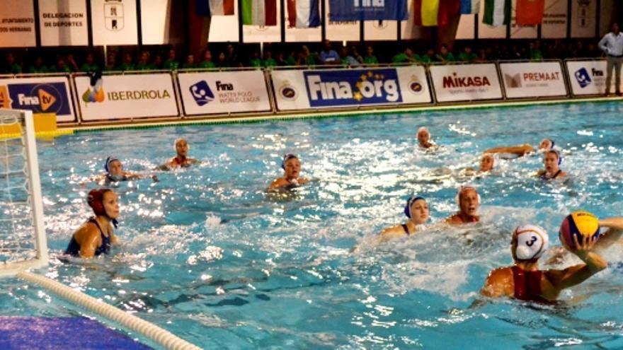 La selección española de waterpolo femenina se estrenó con victoria en la Liga Mundial en Dos Hermanas