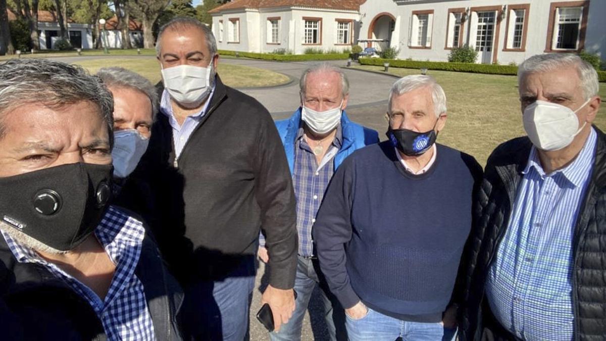 Líderes de la CGT en la Quinta de Olivos, donde fueron recibidos por el presidente Alberto Fernández