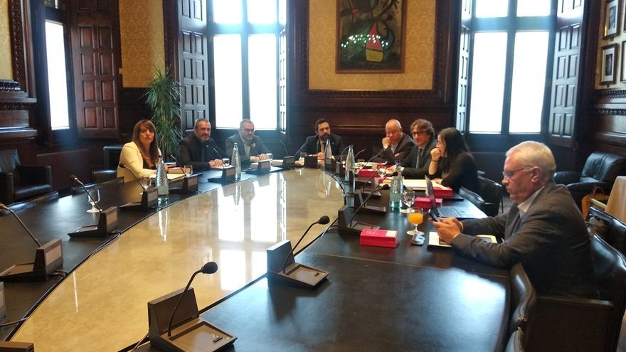 La Mesa del Parlament rechaza tramitar la ILP que propone declarar la independencia