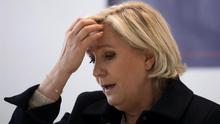 La intención de voto a Macron y Le Pen baja en las presidenciales de Francia, según una encuesta