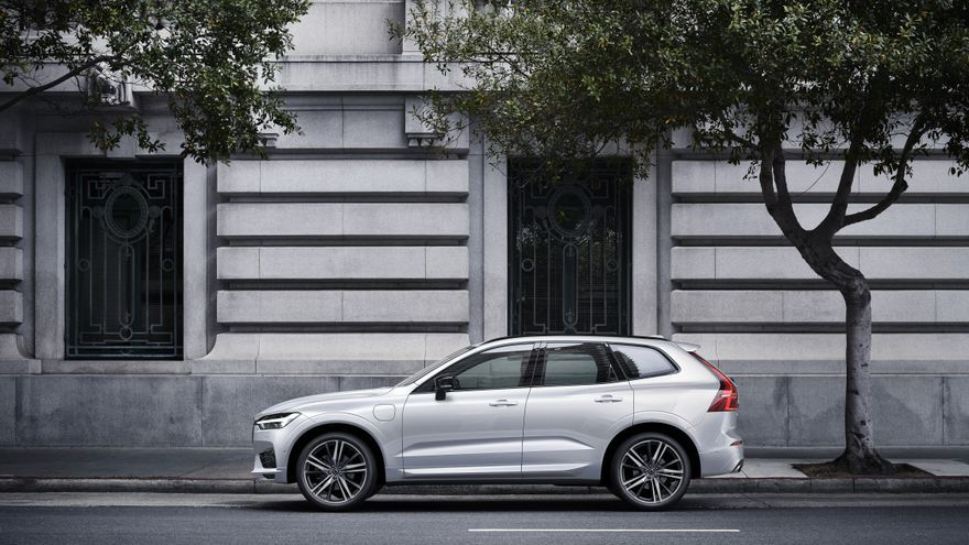 Híbridos enchufables, de coches malditos a salvavidas para las marcas