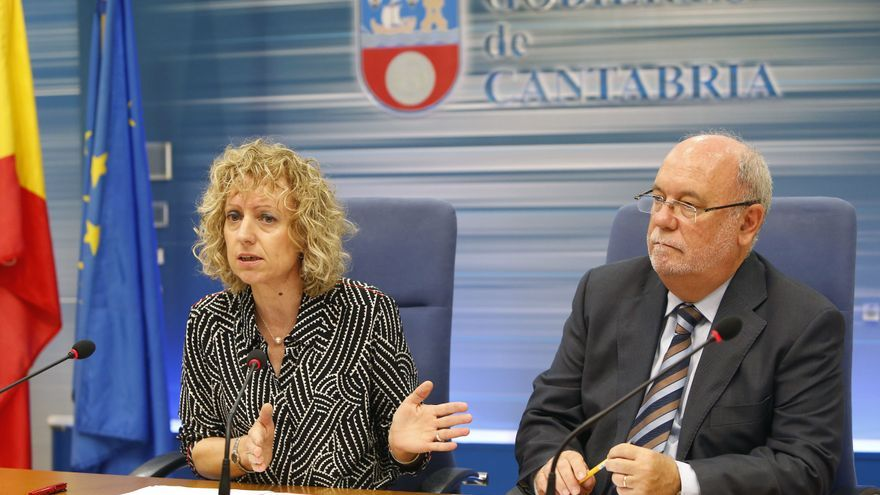 La vicepresidenta, Eva Díaz, junto al consejero de Economía, Hacienda y Empleo, Juan José Sota. | Lara Revilla