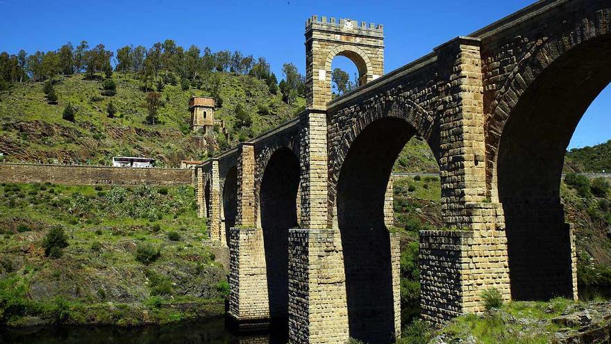 Puente de Alcántara; una de las obras magnas de la ingeniería romana en España. Heribert Bechen