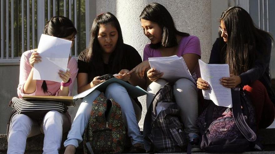 España tiene un déficit de alumnos en FP y aumentan los ninis, según la OCDE