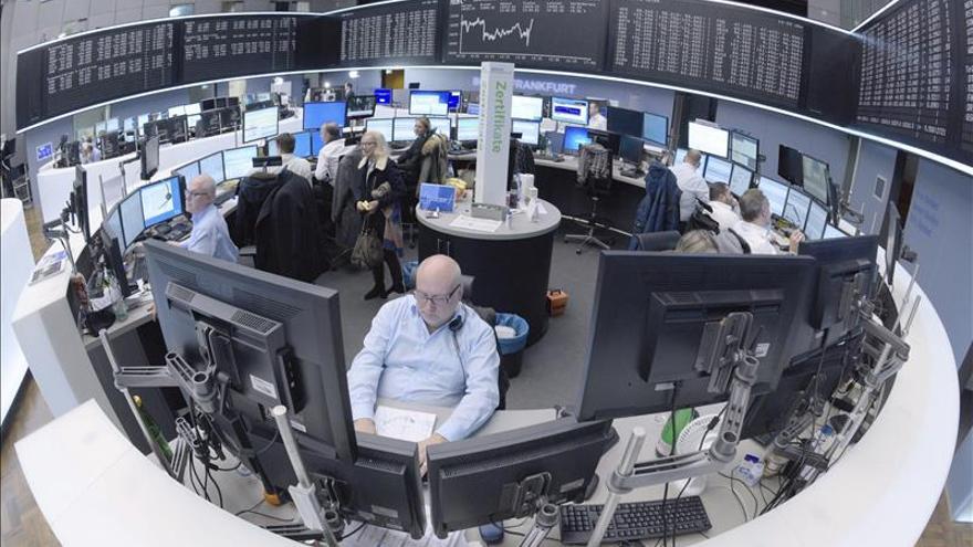 El DAX 30 de la Bolsa de Fráncfort baja un 1,69 %