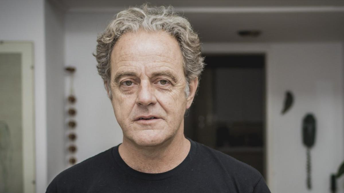 Dolor por la muerte del escritor Juan Forn