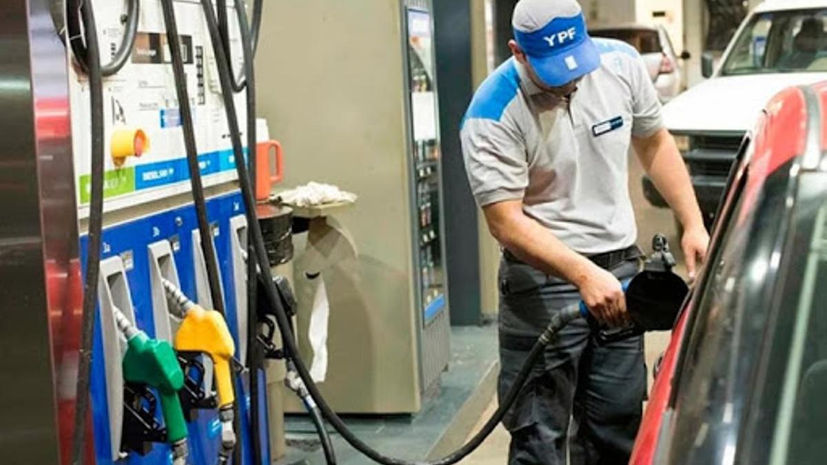 Los combustibles subirán en abril por segundo mes consecutivo