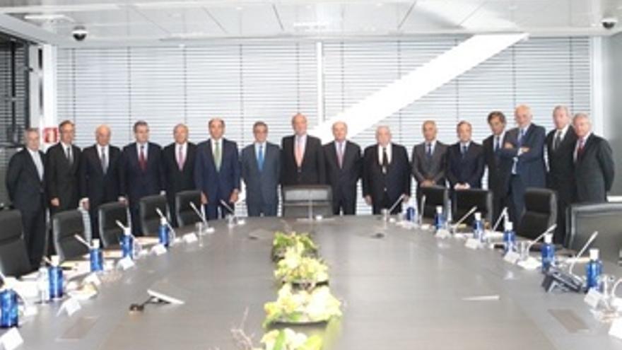El Rey Y Los Miembros Del Consejo Empresarial Para La Competitividad