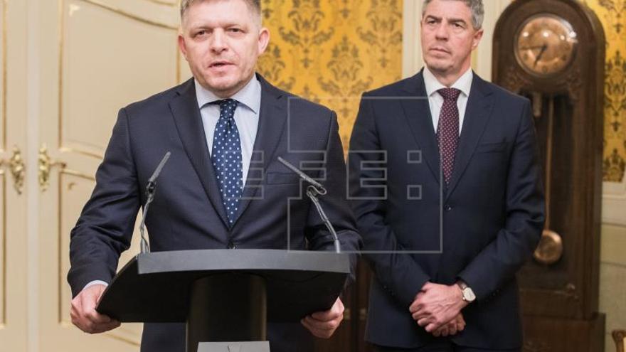 El primer ministro eslovaco presenta su dimisión para salvar la coalición de Gobierno