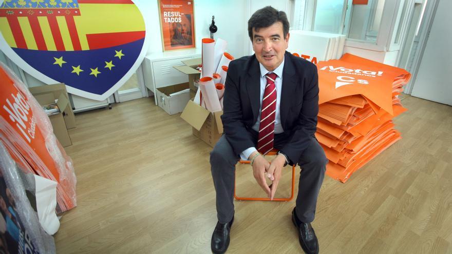 Fernando Giner, candidato a la alcaldía de València por Ciudadanos, en la sede del partido