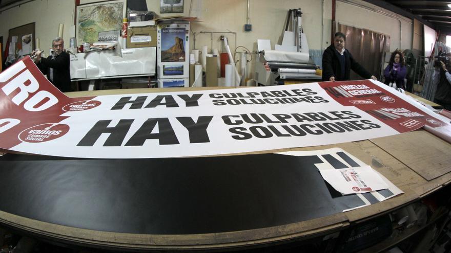 La pancarta del 14N mide 14 metros y parte del eslogan irá en inglés y alemán