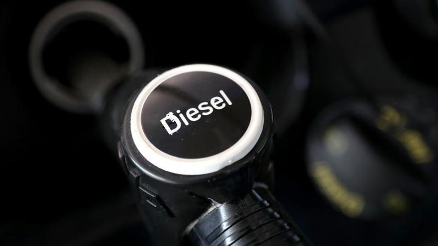 La gasolina y el gasóleo se vuelven a encarecer y marcan máximos desde 2014