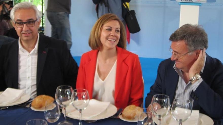 Cospedal confía en que la Virgen de Illescas le dé suerte recordando que en 2011 arrancó allí la campaña y ganó