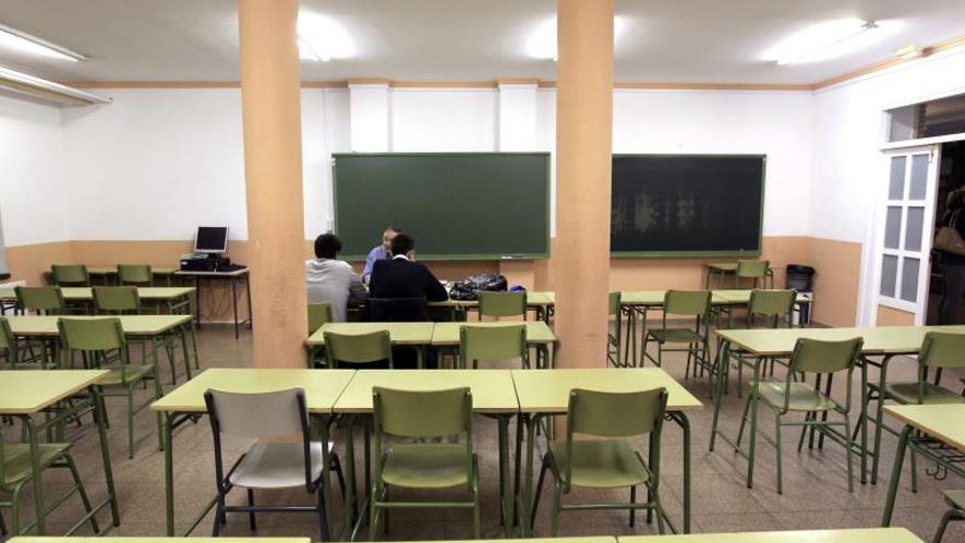 Los alumnos podrán obtener el título de Bachillerato con un suspenso