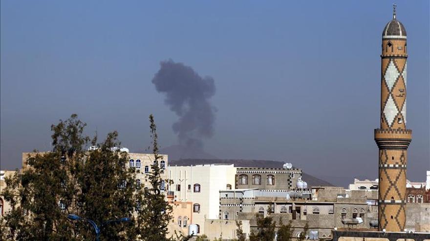 Muere el gobernador de Aden y 5 guardaespaldas en un atentado con coche bomba