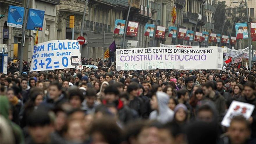 Estudiantes catalanes claman contra el 3+2, con desigual incidencia de la huelga