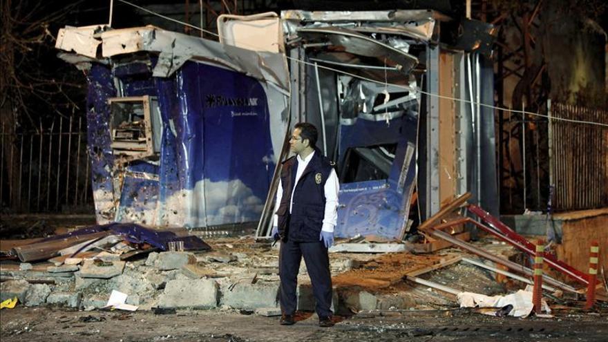 Al menos 20 muertos por coches bomba en una localidad turca fronteriza con Siria