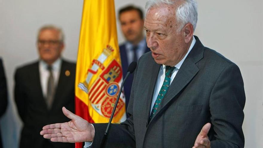 Margallo cree que el PSOE debe elegir entre constitucionalistas y rupturistas