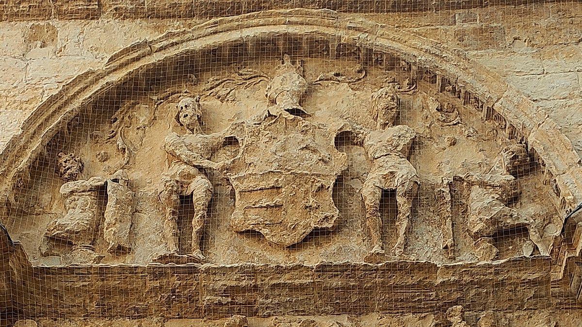 Fachada del palacio del Museo Arqueológico