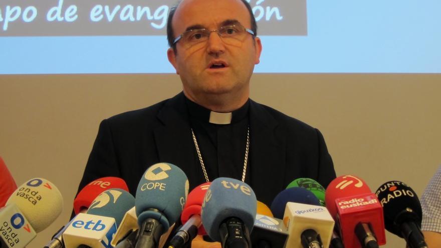 """Munilla afirma que el arzobispo de Bolonia no tenía """"bendición"""" del Vaticano para estar en el acto de desarme de ETA"""