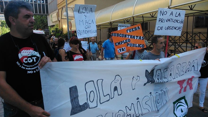 Trabajadores de la atención telefónica del 061, durante una protesta / N.C.