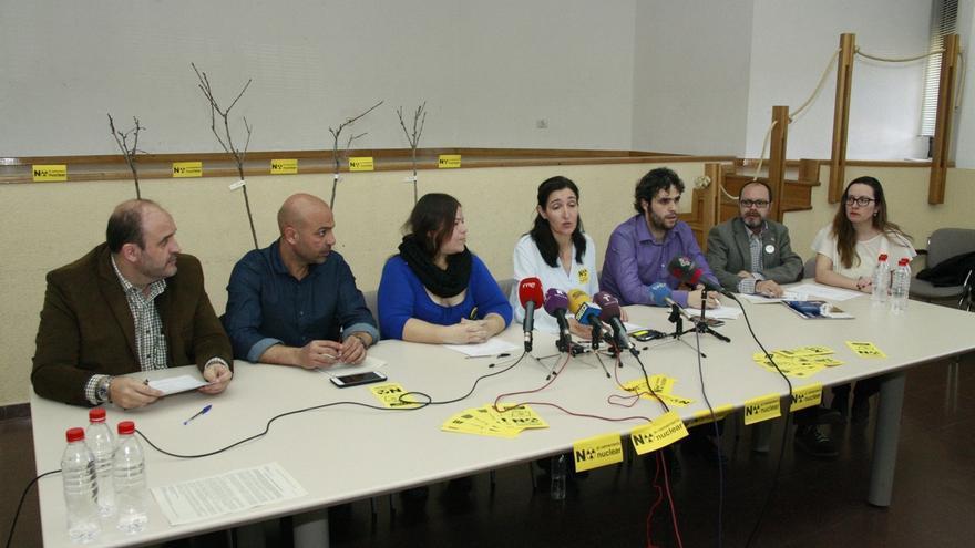 """PSOE, Podemos, IU, UPyD, Equo y PCAS firman un pacto """"por el cierre del silo"""" de Villar de Cañas"""