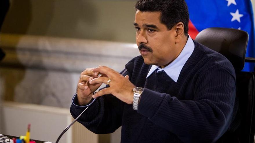 """Maduro dice que en """"próximos días"""" hará un viaje a países productores de crudo"""