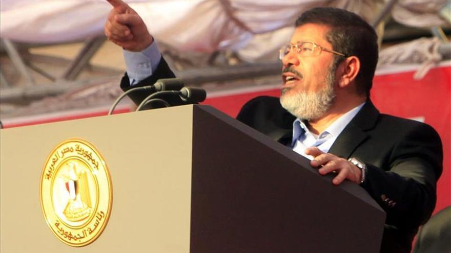 Egipto juzgará a Mursi y a otros 198 acusados por la vía militar en un nuevo caso