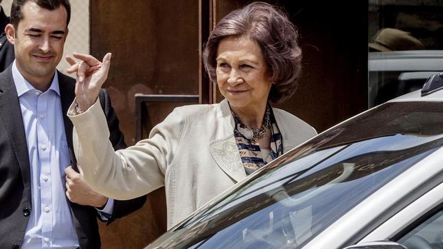 La Reina Sofía se suma a los trabajos en Atapuerca como una arqueóloga más