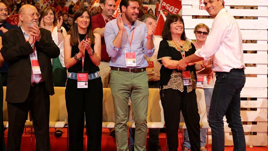 José Félix Tezanos, Núria Parlon, Óscar Puente, Cristina Narbona y Pedro Sánchez en el congreso del PSOE