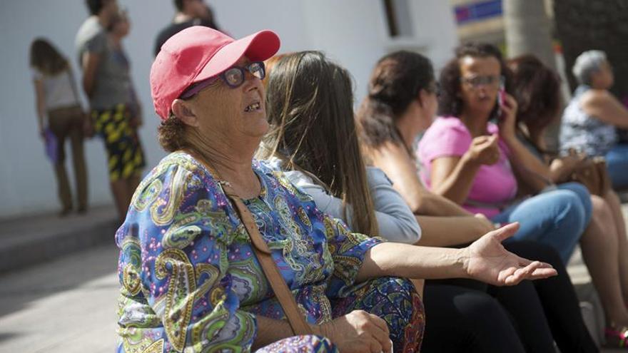 Josefa Hernández, la mujer con cinco hijos y nietos a su cargo que debe ingresar en prisión por haber construido su vivienda en un paraje protegido (EFE/Carlos De Saá)