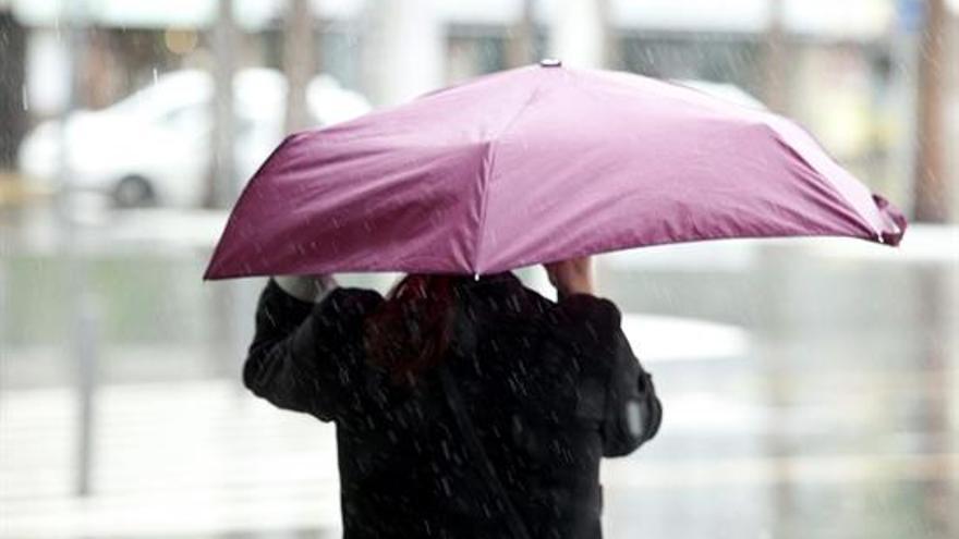 El temporal de viento y lluvia se ha agudizado en las últimas horas.