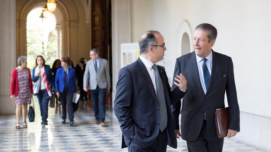 """Nueva comisión independiente apunta que """"sin diálogo no habrá entendimiento"""""""