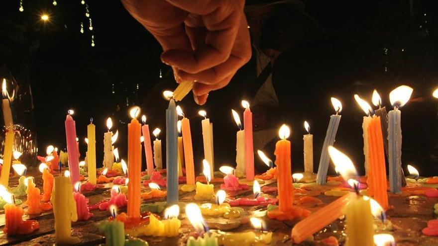 """Colombia inicia las fiestas de Navidad con la """"noche de las velitas"""""""