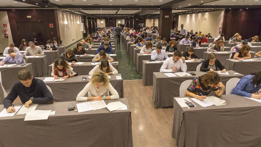 Un total de 226 empleados de CaixaBank se examinan en Pamplona de un posgrado en Asesoramiento Financiero