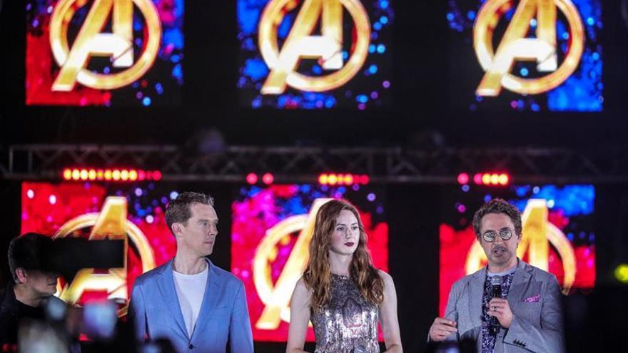 Varios actores de la película charlan con la prensa durante la presentación del filme