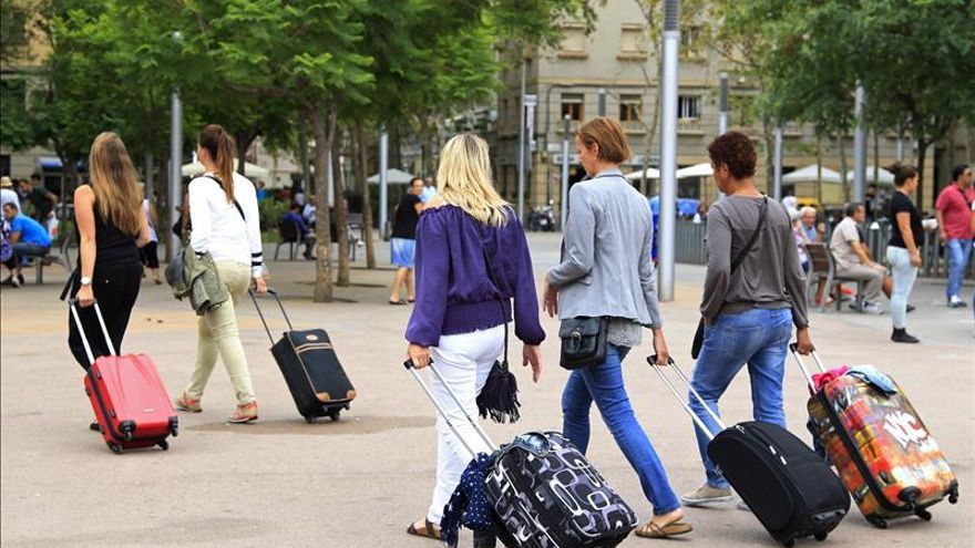 España recibe el récord de 58,3 millones de turistas hasta octubre