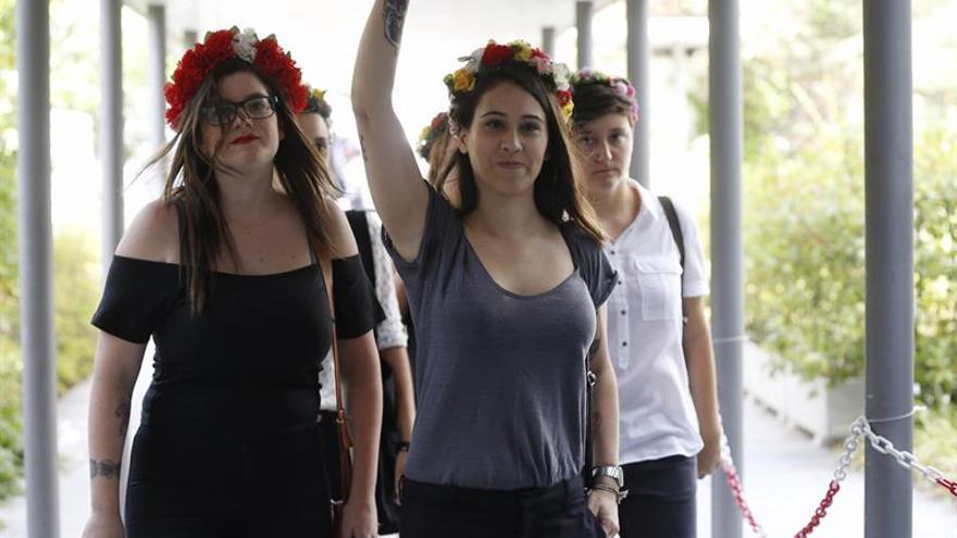 Las activistas de Femen a su salida del juicio / EFE