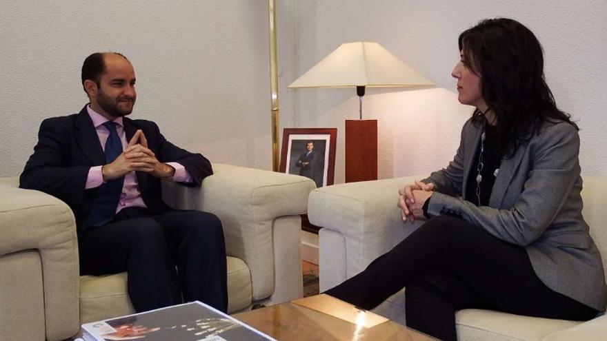 Reunión en Madrid de la consejera de Educación y Empleo, Esther Gutiérrez, con el secretario de Estado de Empleo, Juan Pablo Riesgo