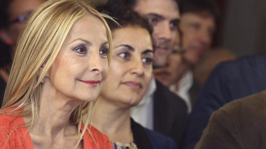 La candidata del PP, Australia Navarro, en el cierre de campaña. (EFE/Elvira Urquijo A.).