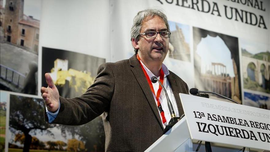 Joaquín Macías, nuevo líder de IU Extremadura, con una lista de consenso