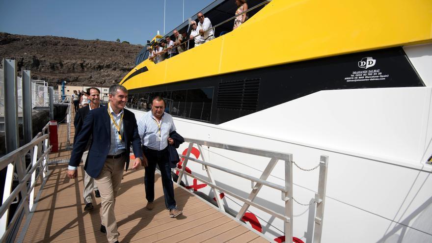 El presidente del Gobierno de Canarias, Fernando Clavijo, durante la presentación del Benchi Express.