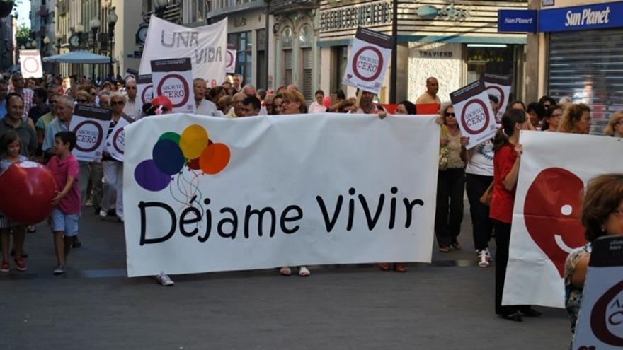 Manifestación de Derecho a Vivir en Las Palmas de Gran Canaria.