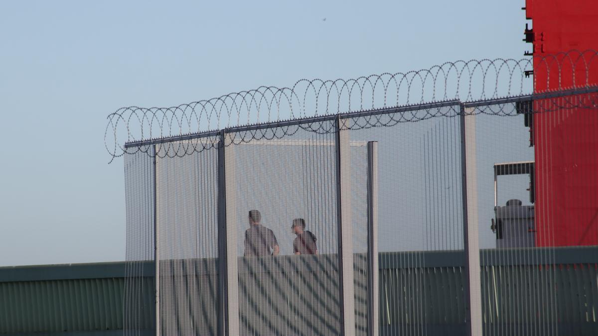 El Puerto de Santander viene incrementando las medidas de seguridad, incluidas el uso de concertinas.