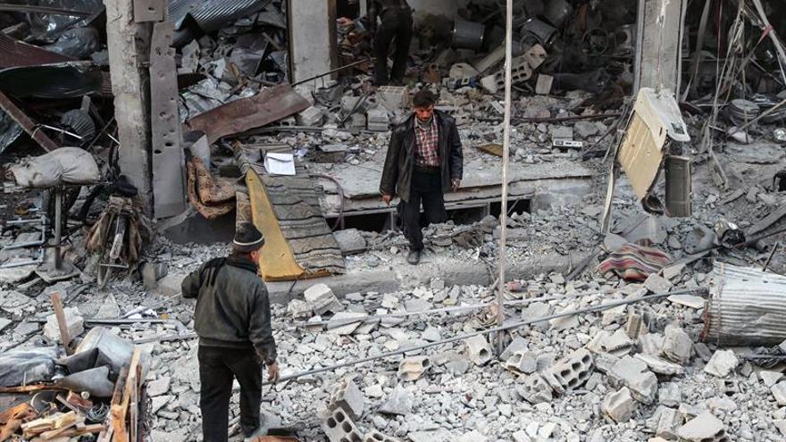 Prosiguen los combates entre el Ejército sirio y facciones cerca de Damasco