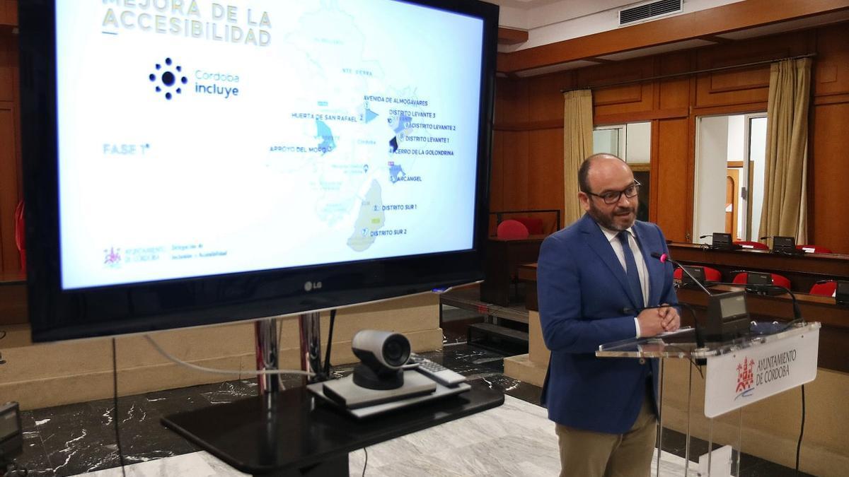 Bernardo Jordano durante la presentación de la iniciativa