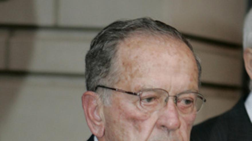 El ex senador republicano Ted Stevens