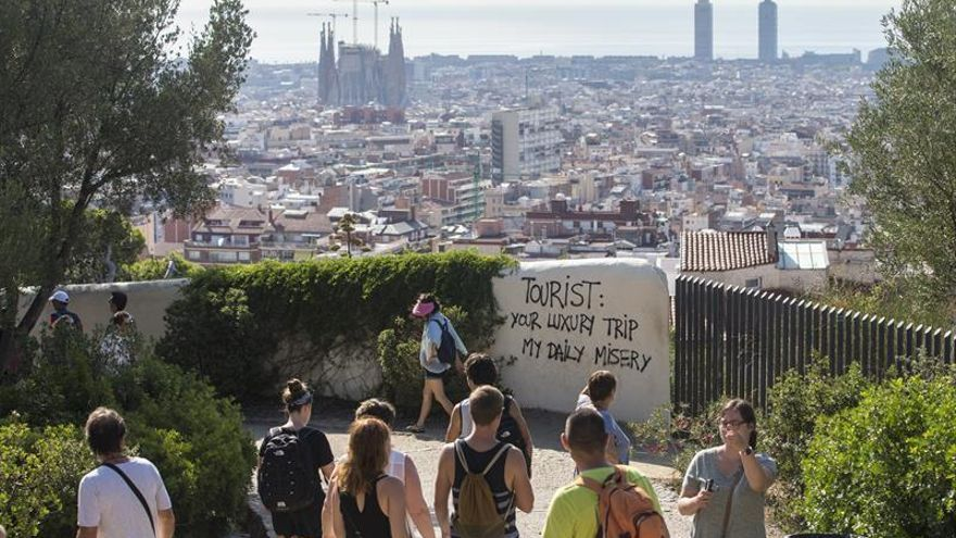 """El PP critica la """"turismofobia"""" y dice que hasta Cuba defiende el turismo"""